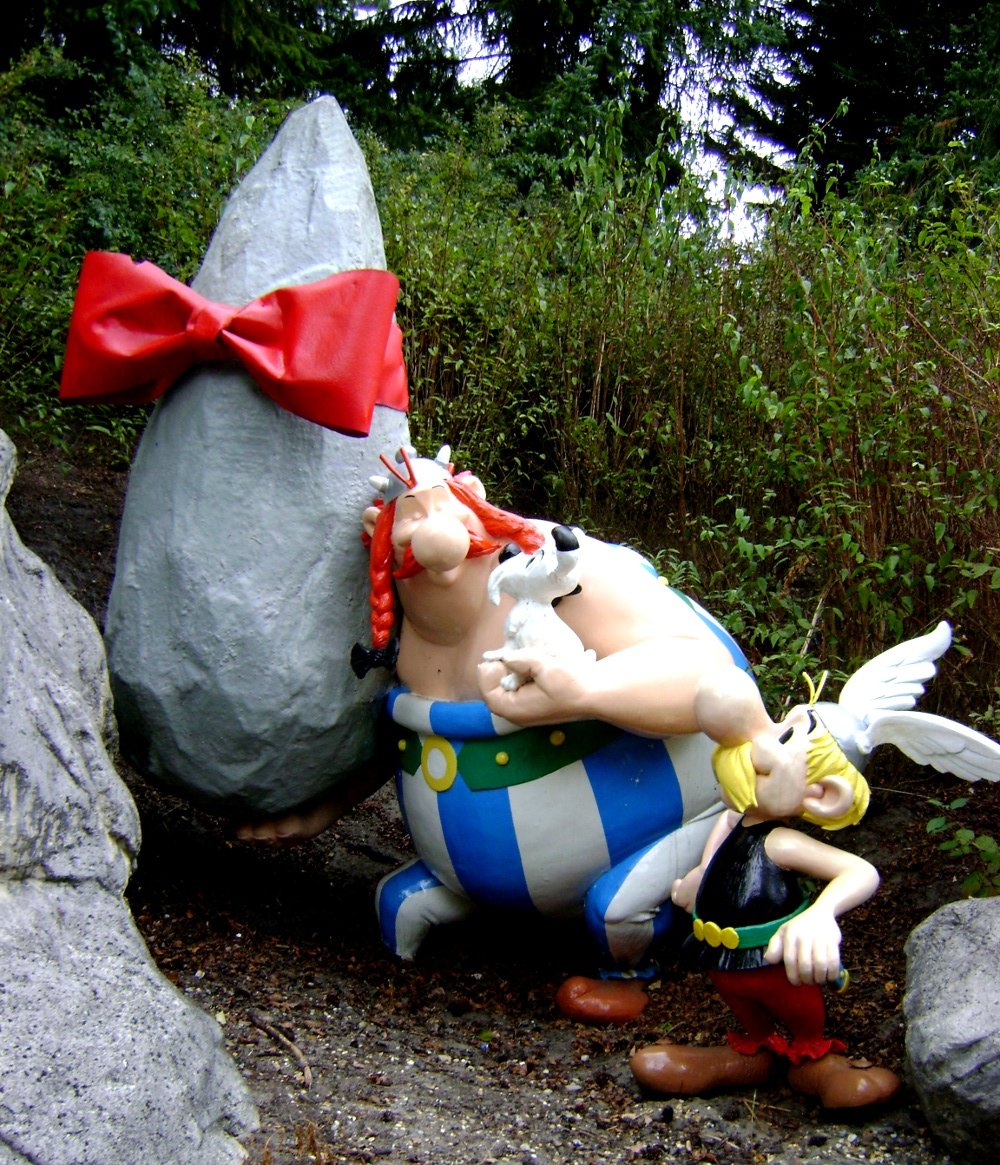 Our heroes! Obelix is the big one (don't call him fat!) and Asterix is the little guy