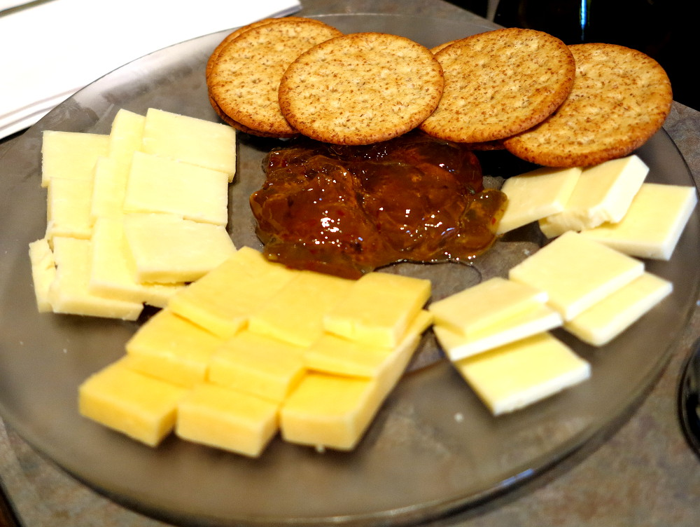 Cheese platter at winery Niagara on the lake Double-barrelled travel