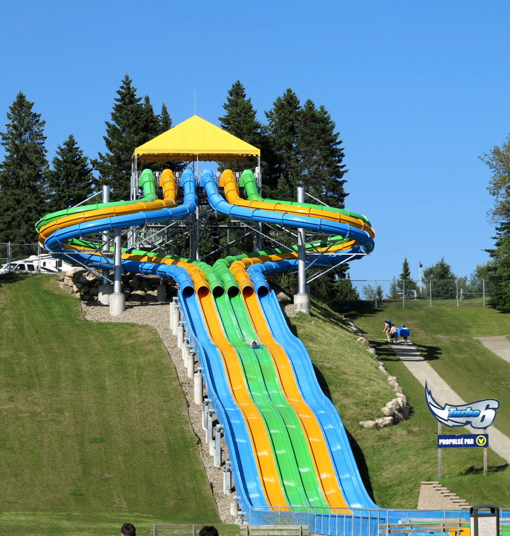 Turbo 6 at Village Vacances Valcartier Double-Barrelled Travel