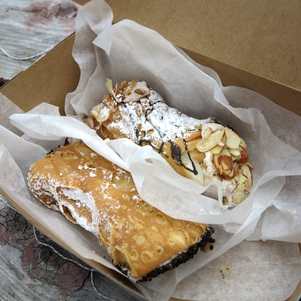 Cannoli Mike's Pastry Boston Freedom Trail Double-Barrelled Travel