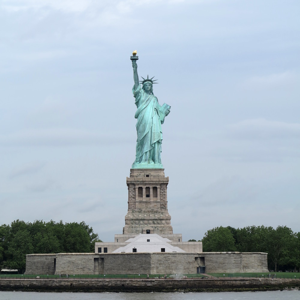 Statue of Liberty as seen by tourists Double-Barrelled Travel