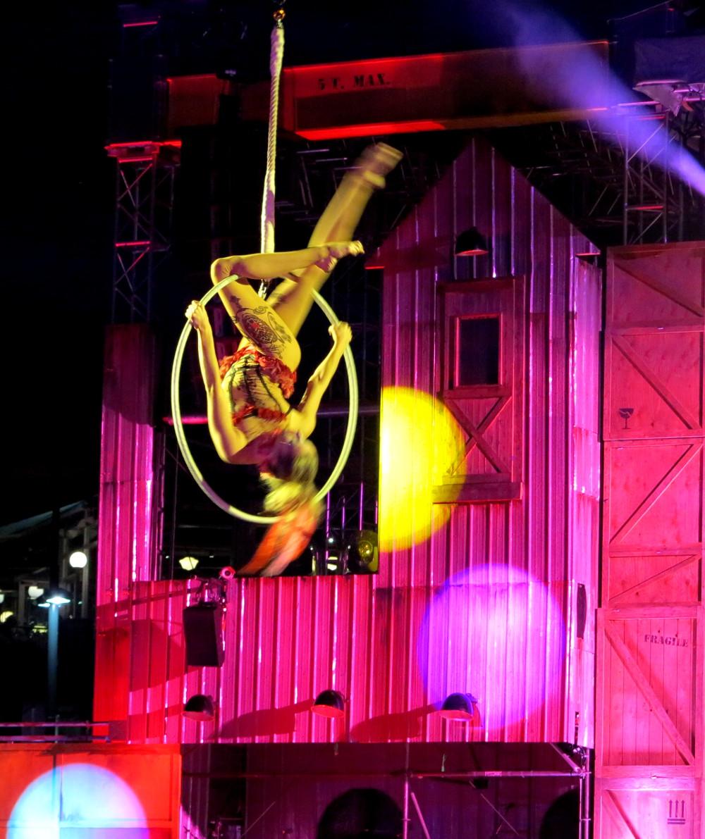 Cirque du Soleil - Double-Barrelled Travel
