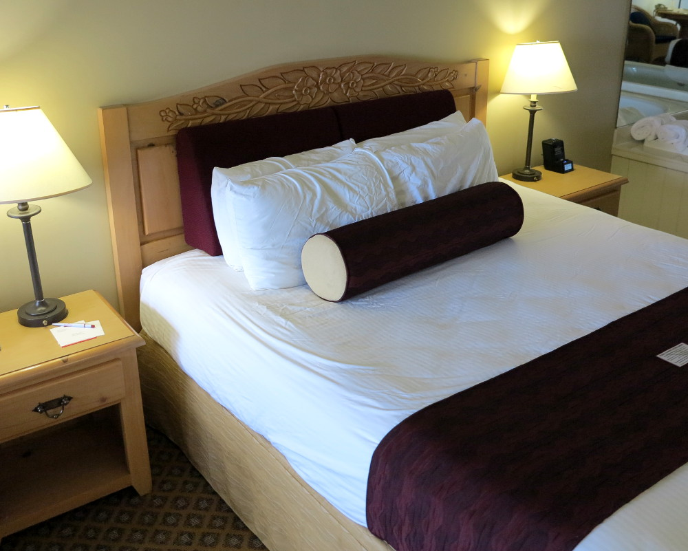 Bed at the Cherry Inn Suites in Traverse City Double-Barrelled Travel