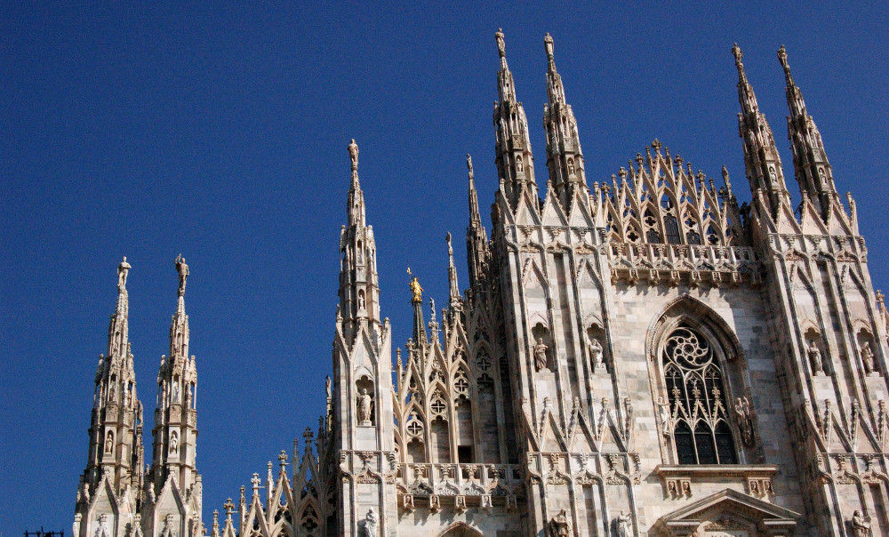 Double-barrelled travel Milan cathedral