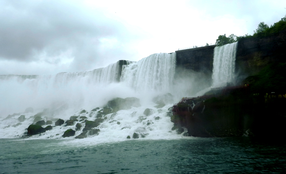 Horseshoe Falls at Niagara Falls Double-Barrelled Travel