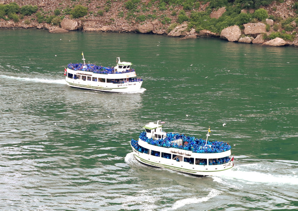 Maid of the Mist boats Double-Barrelled Travel