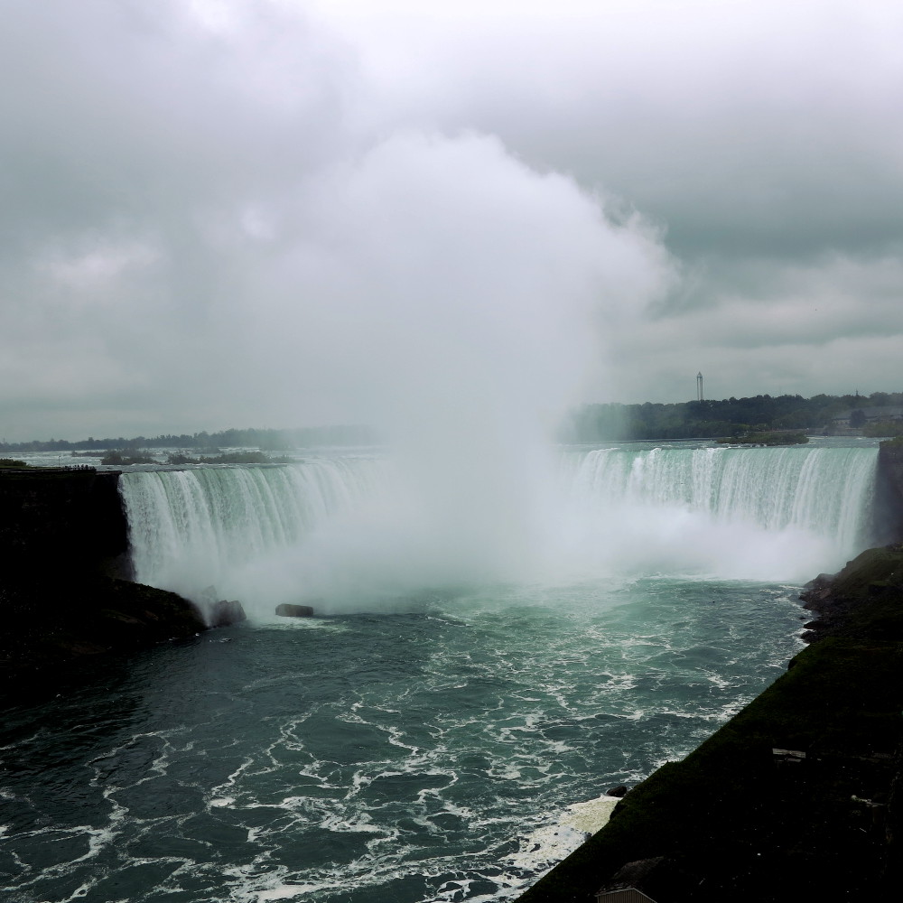 Niagara Falls Double-Barrelled Travel