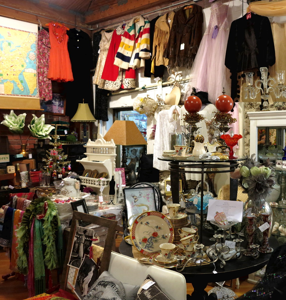 Vintage shop near Pike Place Market in Seattle Double-Barrelled Travel