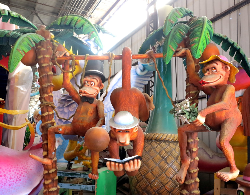 Monkeys at Mardi Gras World New Orleans Double-Barrelled Travel