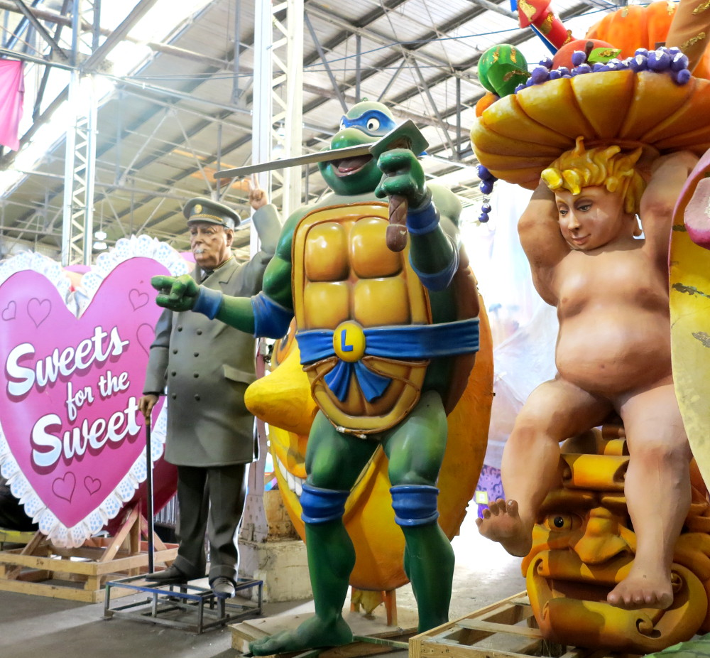 Teenage Mutant Ninja Turtle at Mardi Gras World New Orleans Double-Barrelled Travel