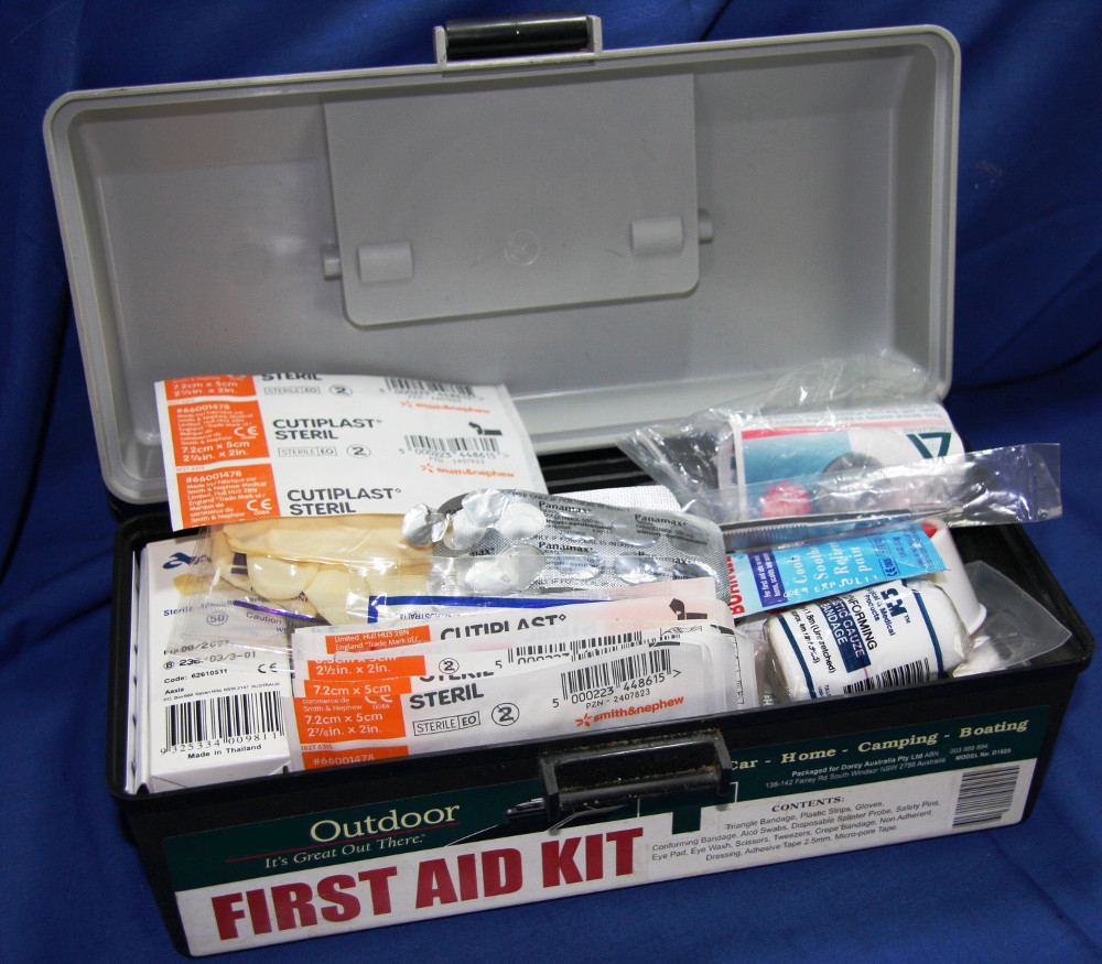 First aid kit Double-Barrelled Travel