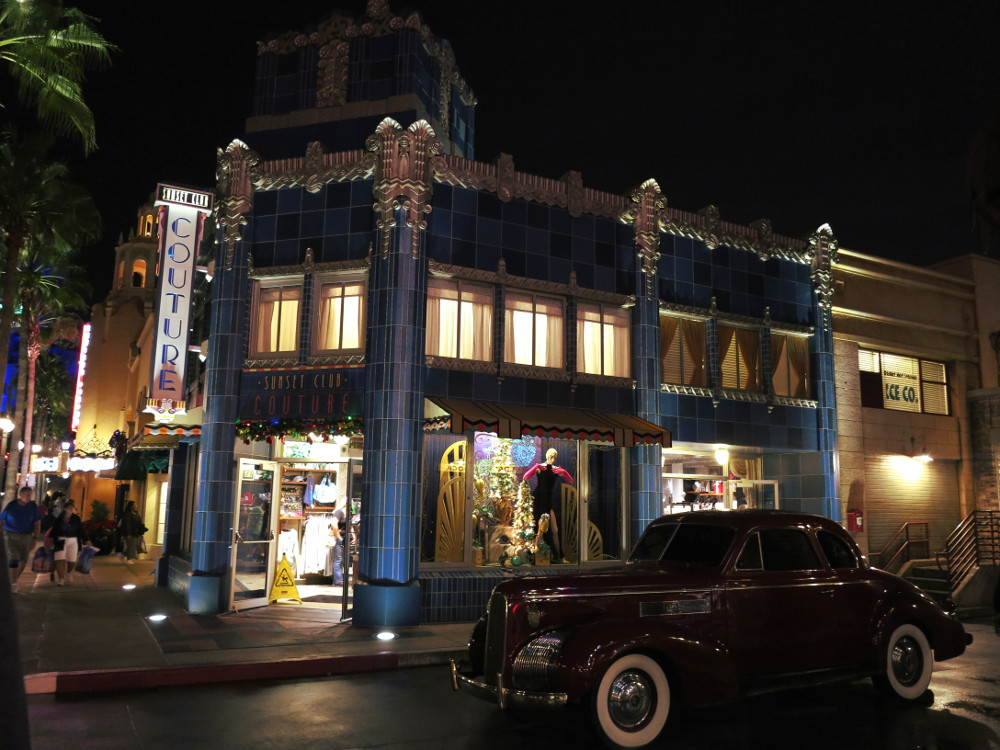 Hollywood Studios street Double-Barrelled Travel