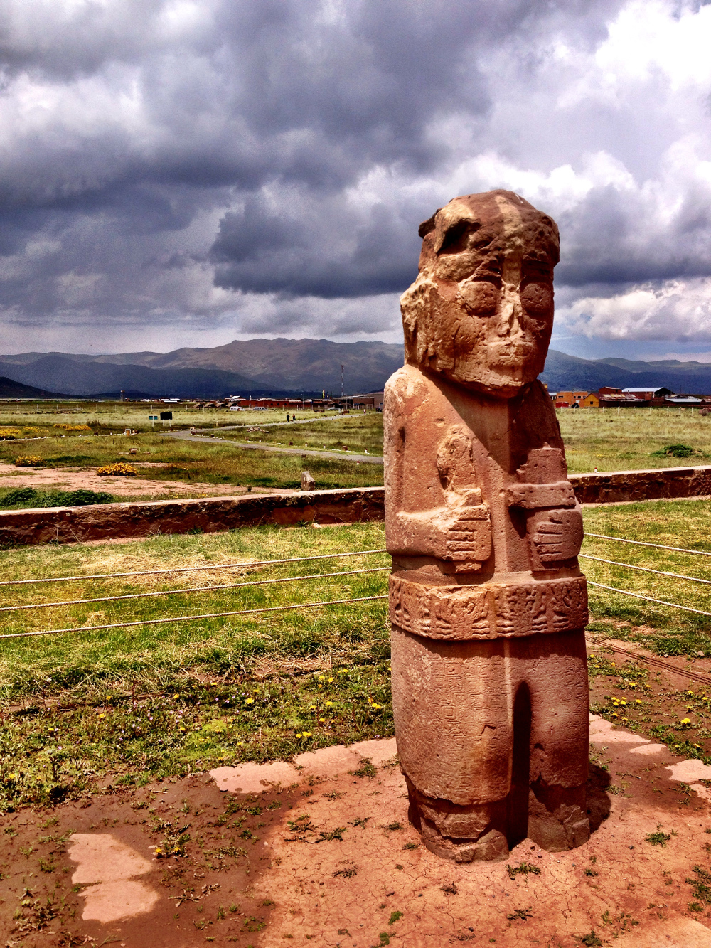 Idol statue at Tiwanaku Double-Barrelled Travel