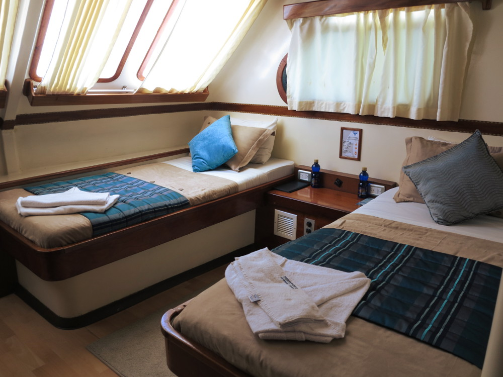 Bedroom Seaman II Galapagos Double-Barrelled Travel