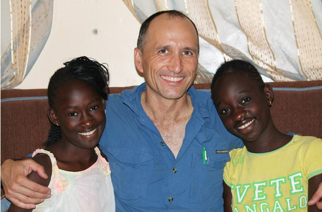 Francis with teenagers in Joal, Senegal Double-Barrelled Travel