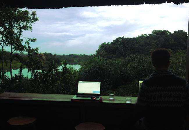 Sani Lodge bar Double-Barrelled Travel