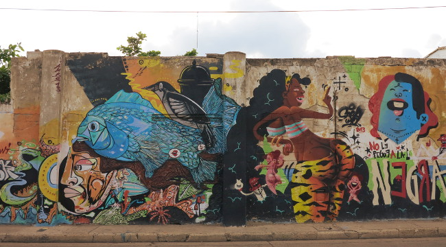 street art Cartagena Double-Barrelled Travel
