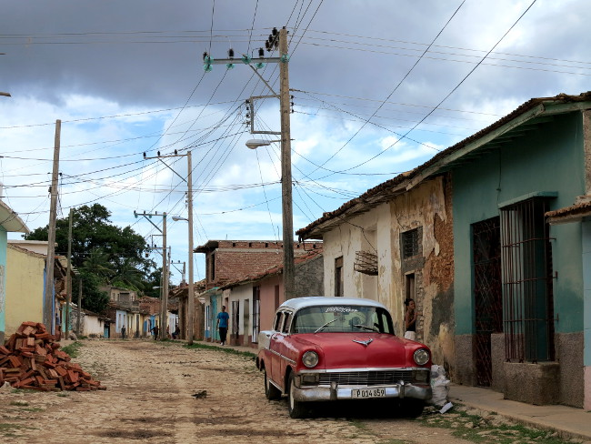 Cuban car Double-Barrelled Travel
