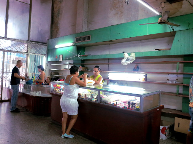 Shop store in Cuba Double-Barrelled Travel