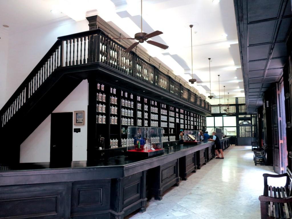 Store in Cuba Double-Barrelled Travel