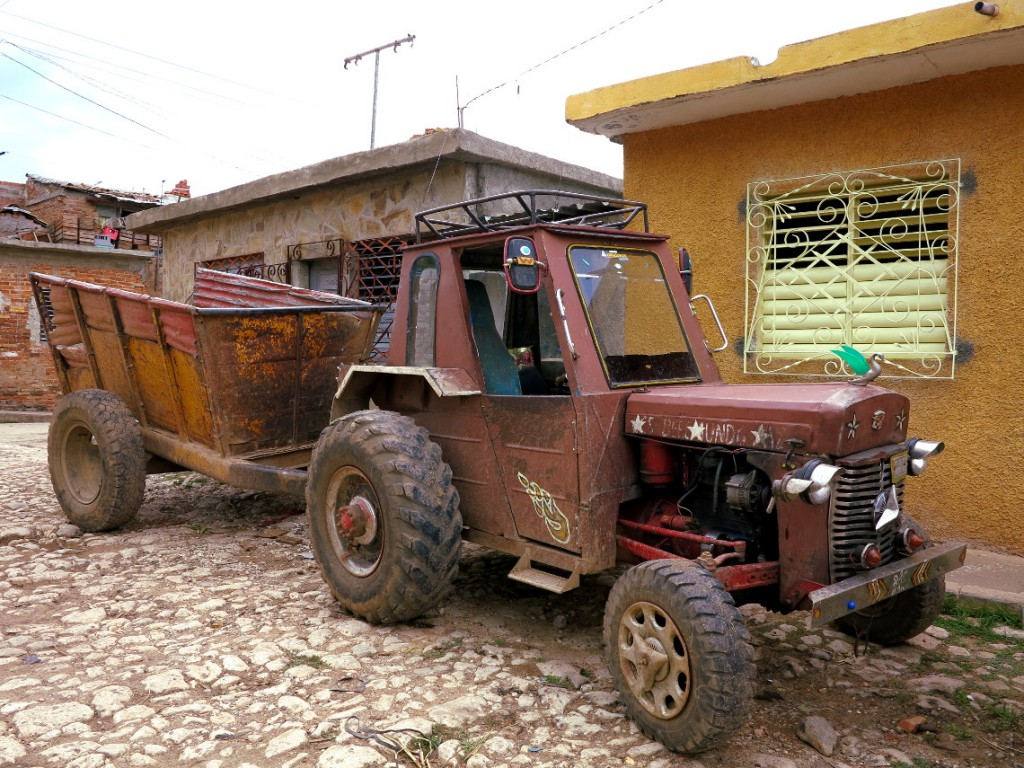 Tractor Cuba Double-Barrelled Travel