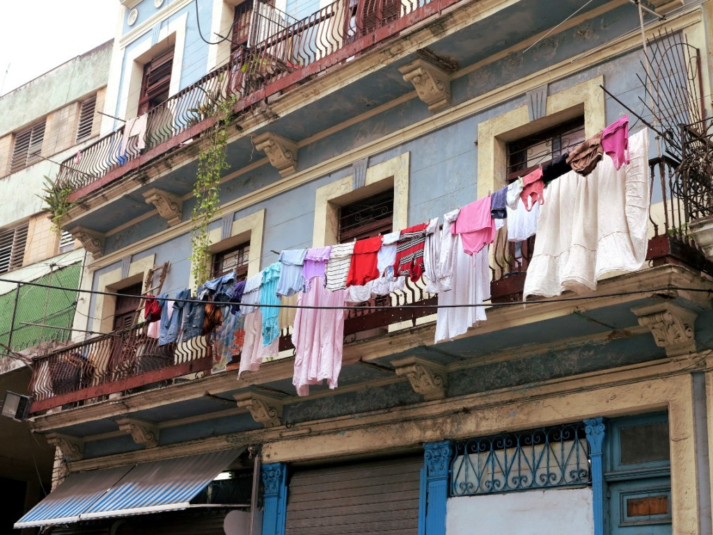 Washing on line Cuba Double-Barrelled Travel