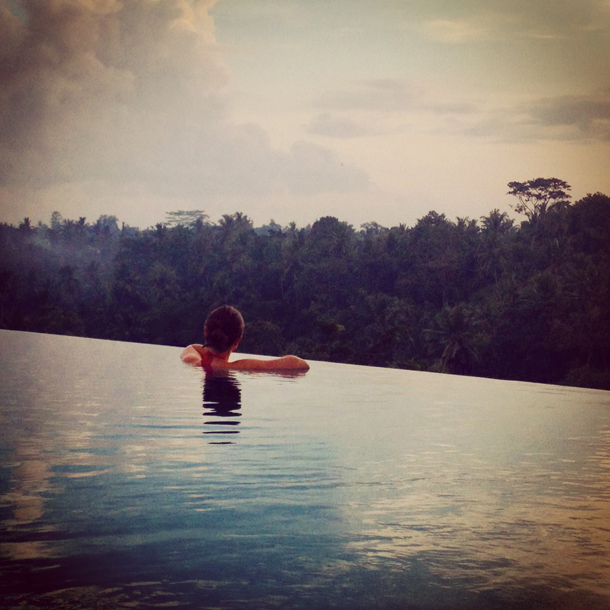 Bisma 8 infinity pool Ubud Double-Barrelled Travel