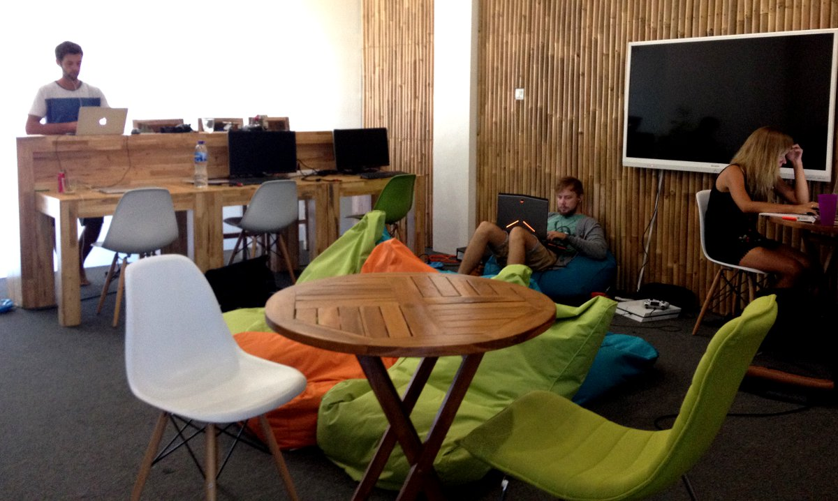 Co-working space Seminyak Double-Barrelled Travel