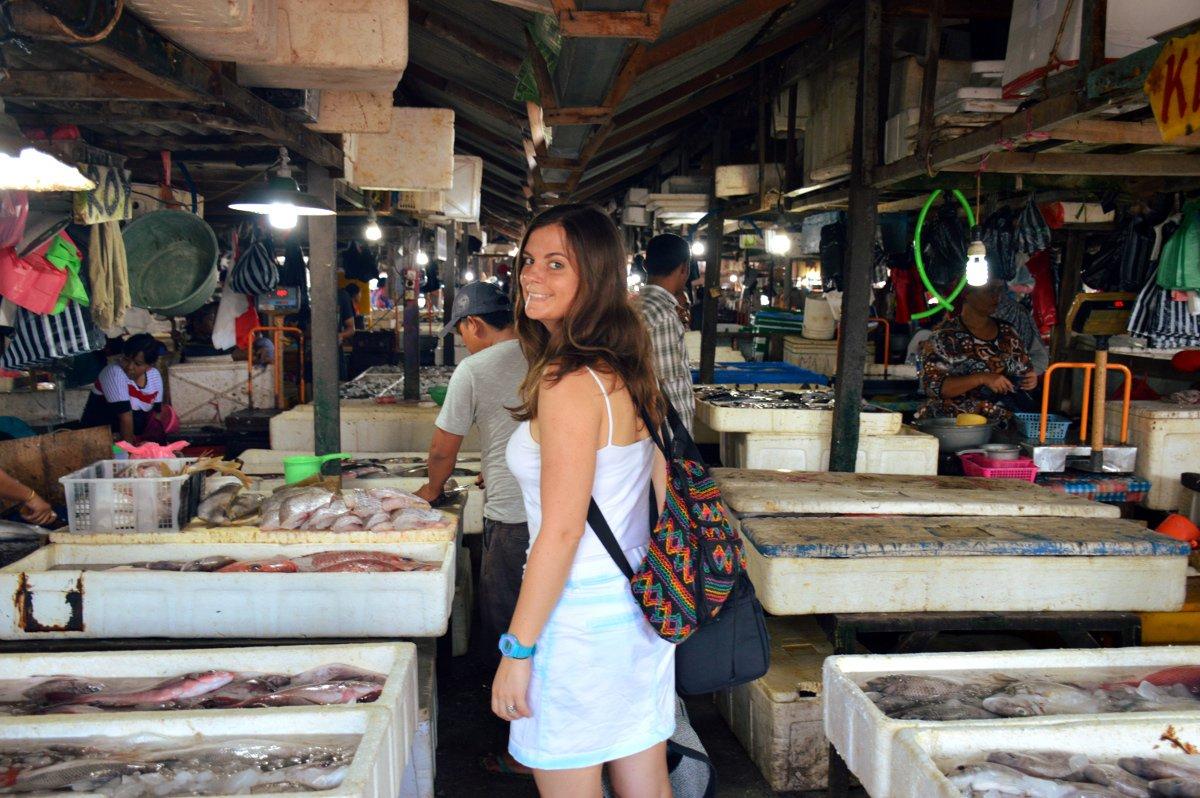 Eating like a local at jimbaran fish market for Local fish market