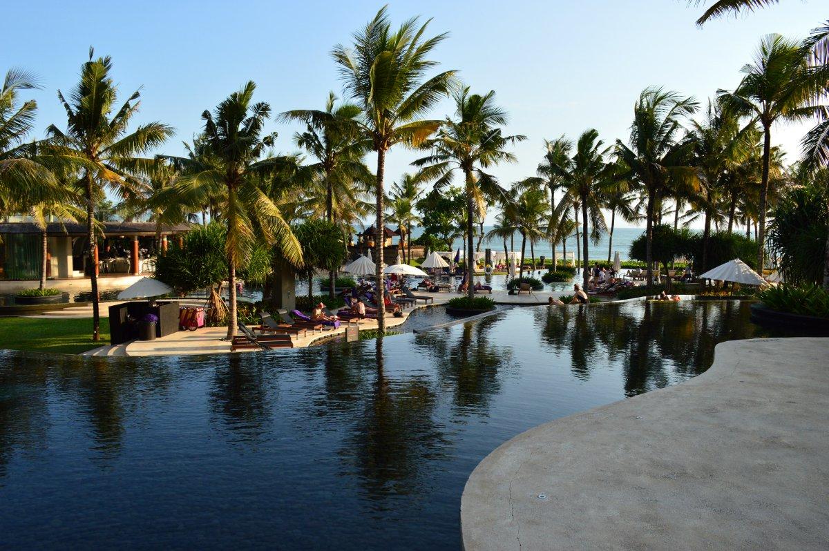 W Retreat pool Bali Double-Barrelled Travel