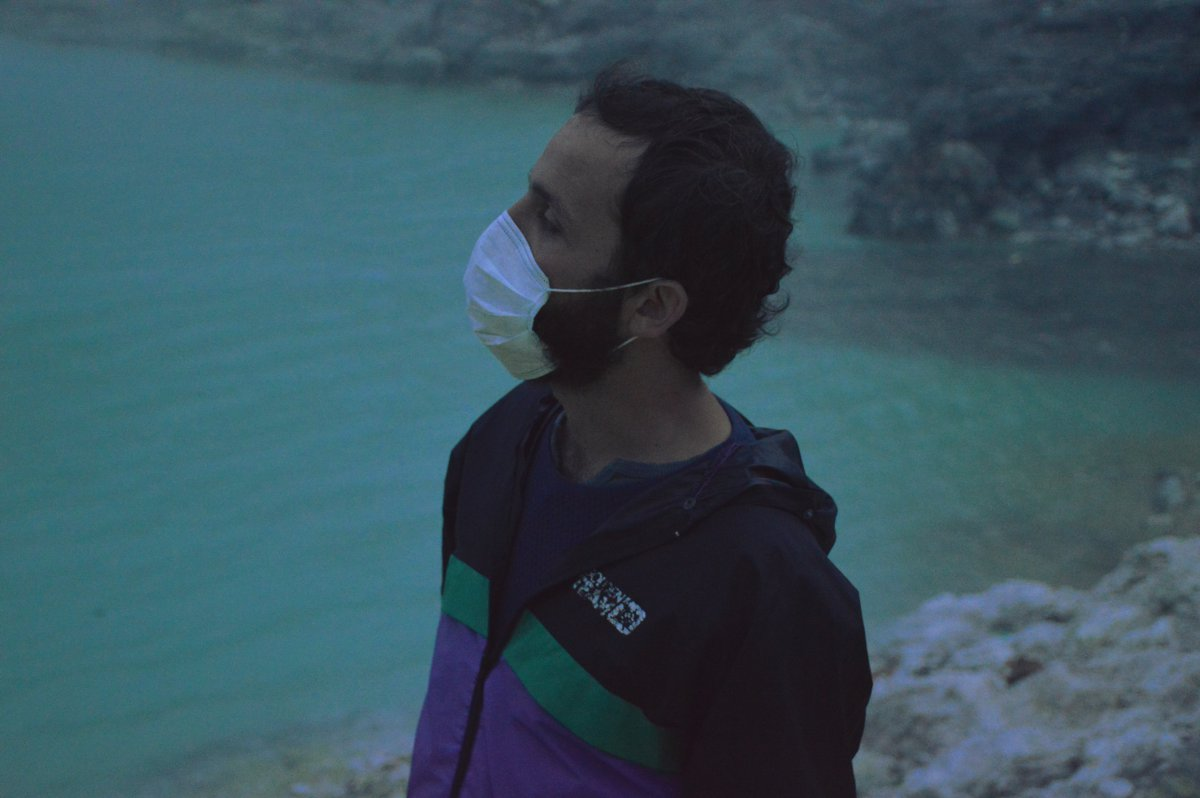 Gas mask Ijen Volcano Java Double-Barrelled Travel