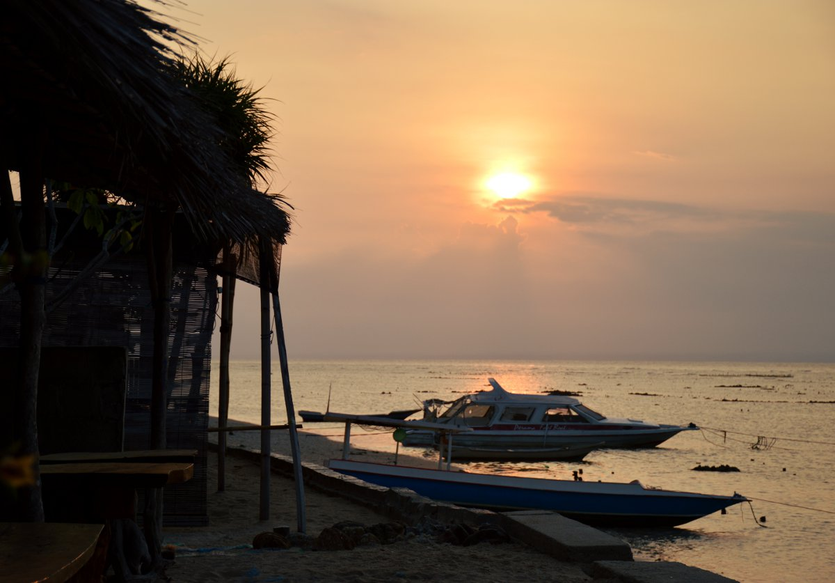 Nusa Lembongan sunset Double-Barrelled Travel