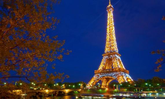 Paris at night Moyan Brenn on Flickr Double-Barrelled Travel