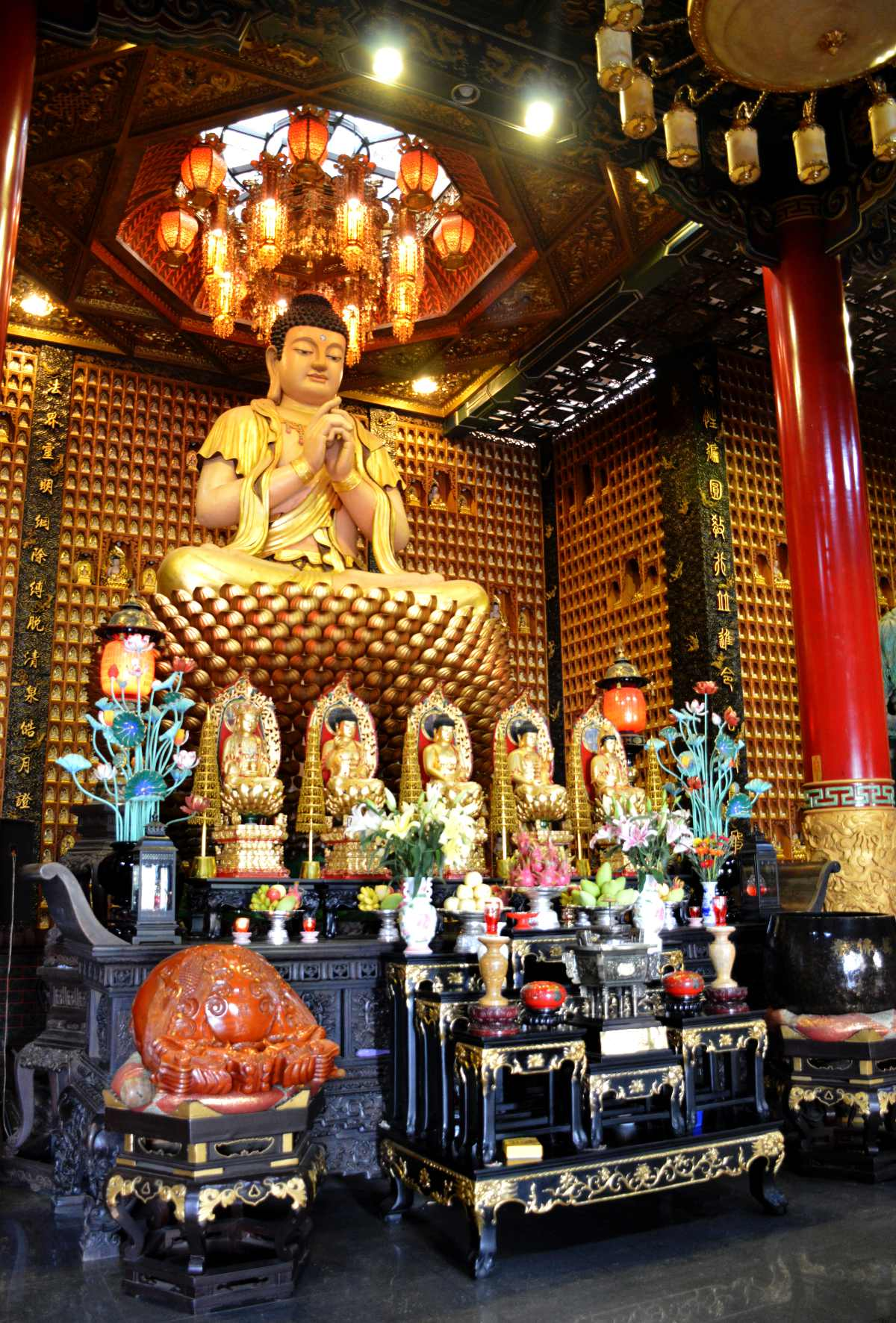 10000 buddas temple Saigon Double-Barrelled Travel