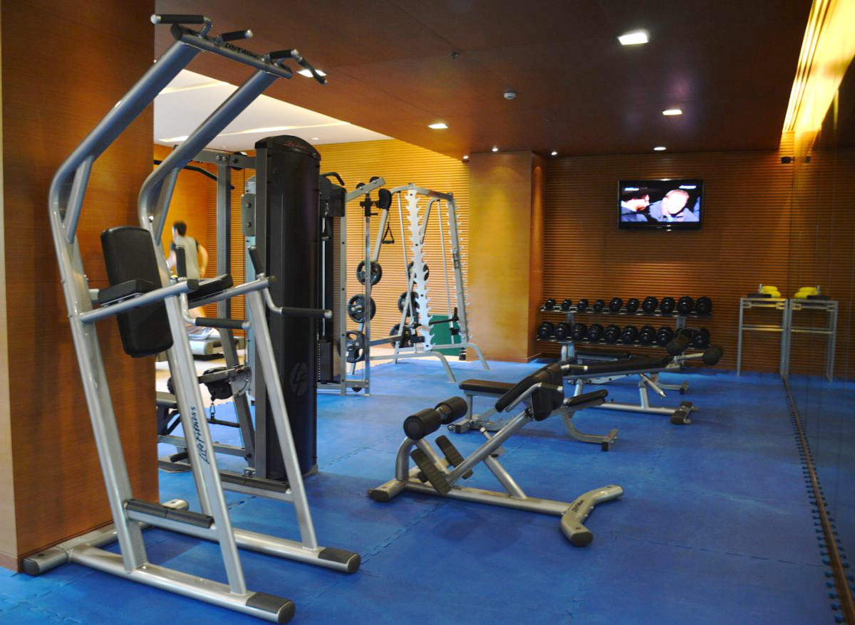 Gym Radisson Blu Cebu Double-Barrelled Travel