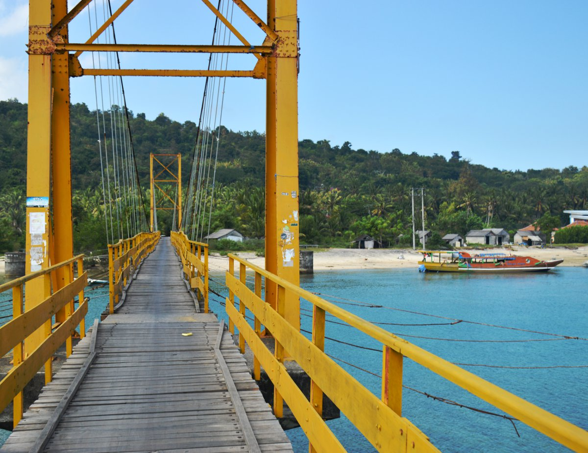 Lembongan bridge Double-Barrelled Travel