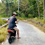 Lembongan scooter Double-Barrelled Travel
