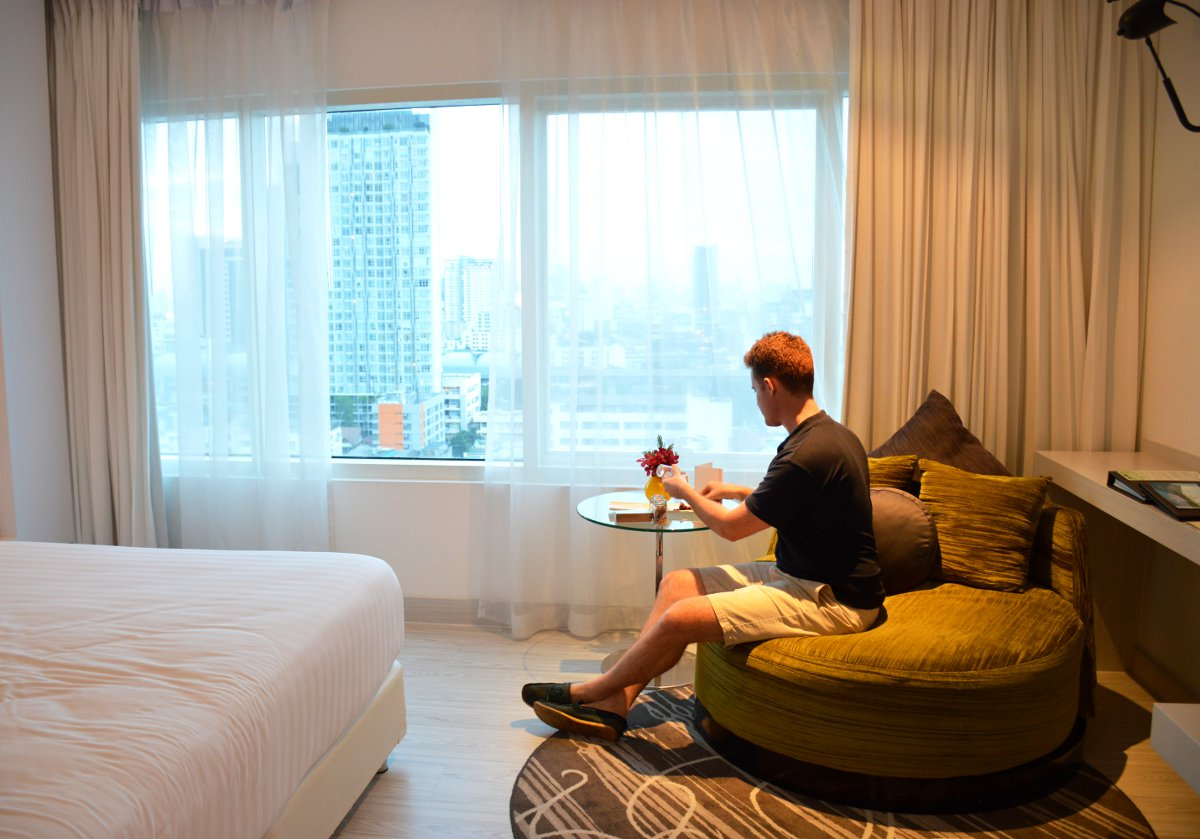 Bedroom suite Centara Watergate Pavillion Bangkok Double-Barrelled Travel