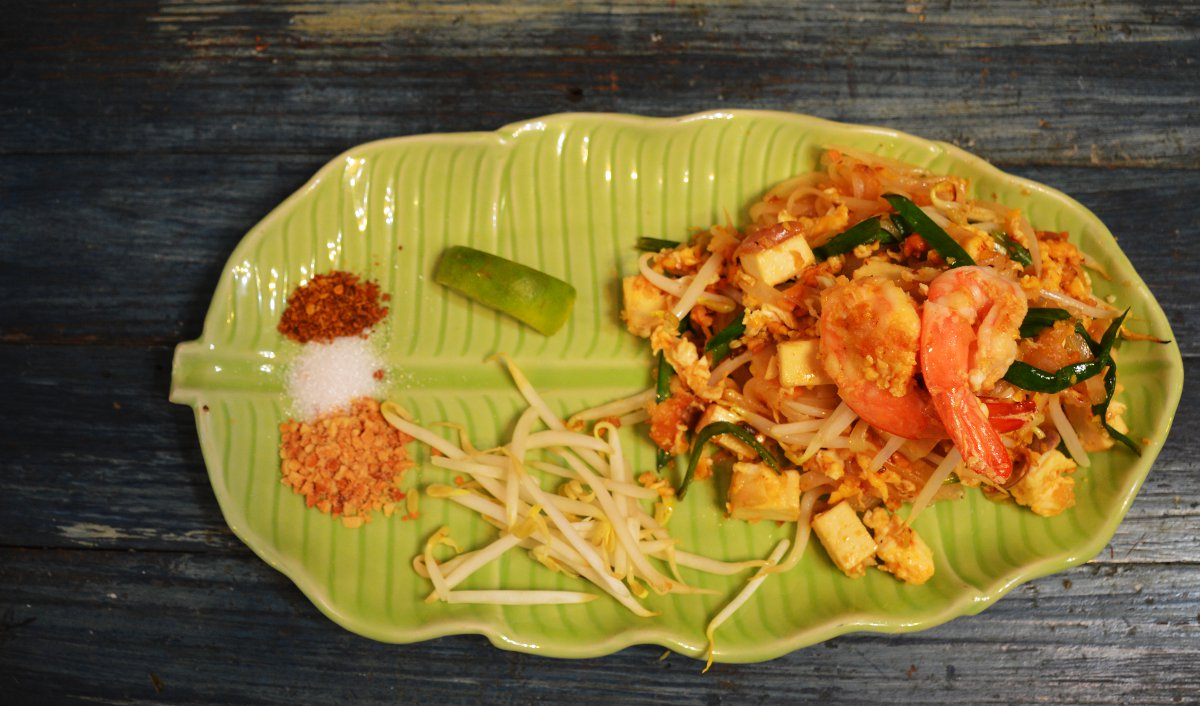 Pad thai Silom Cooking School Double-Barrelled Travel