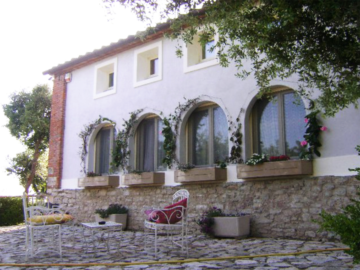 Tuscany region villa Double-Barrelled Travel