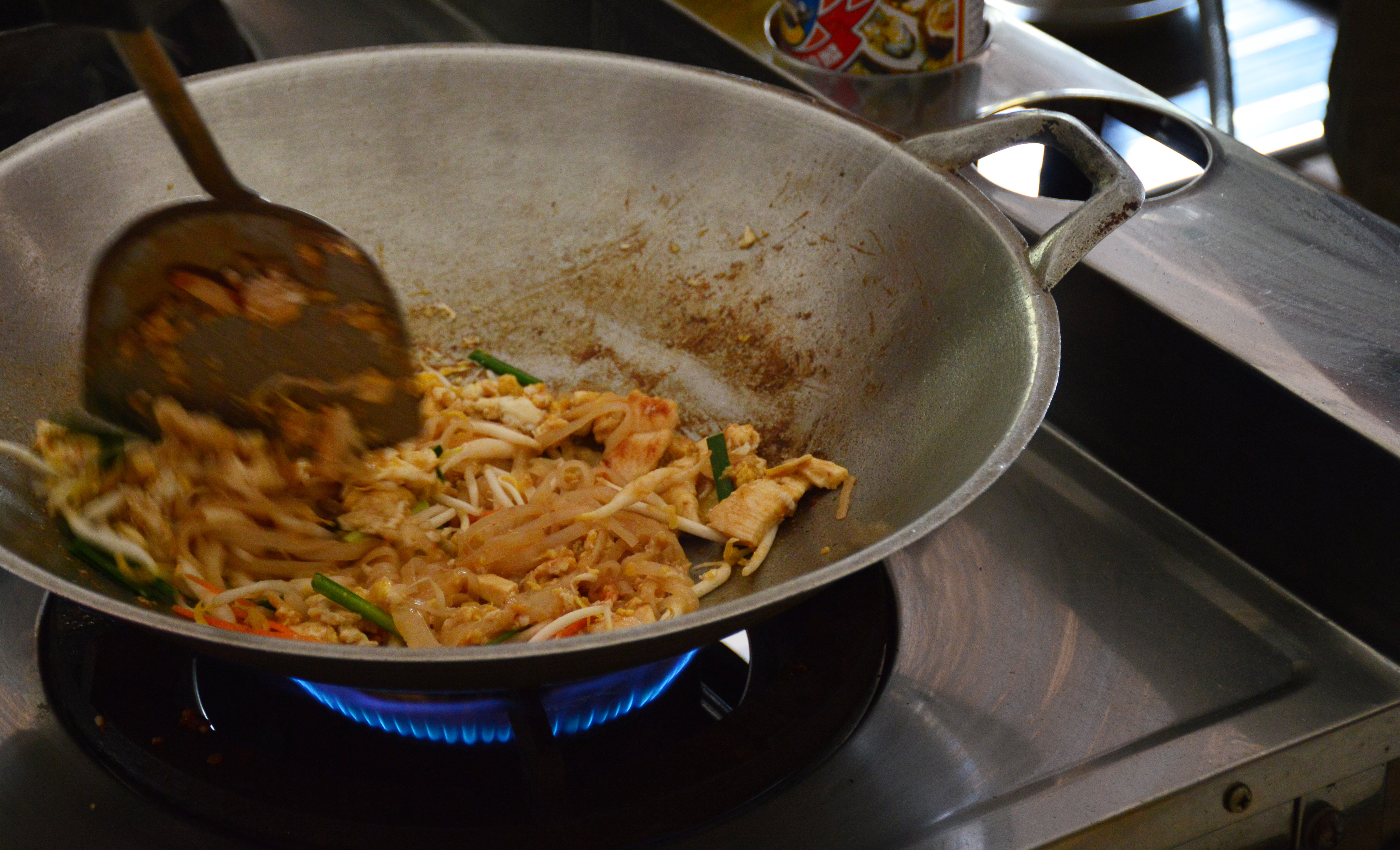 Wok pad thai Asia Scenic cooking school Double-Barrelled Travel