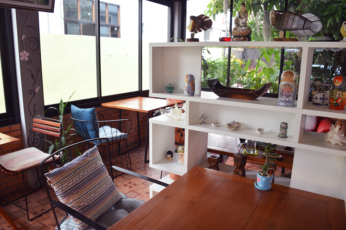 Cafes in Chiang Mai Coffee Plus Double-Barrelled Travel