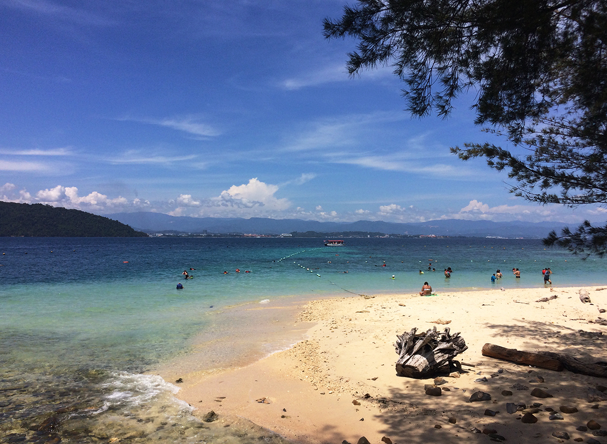 Things to do in Borneo Sapi island Double-Barrelled Travel
