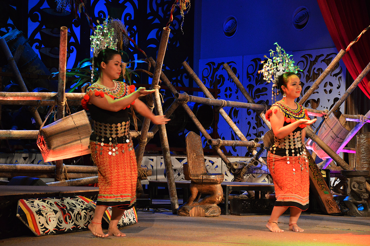 Things to do in Borneo Sarawak Cultural Centre show Double-Barrelled Travel