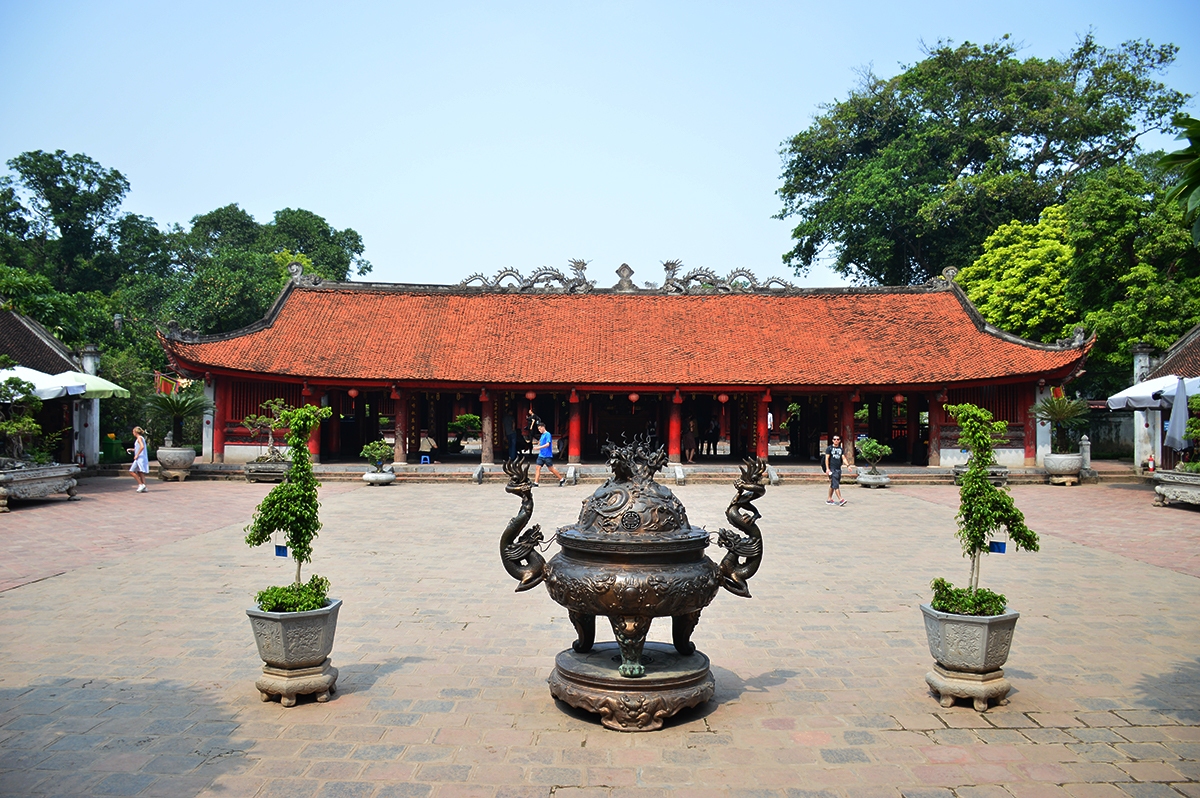 things-to-do-in-hanoi-temple-of-literature-double-barrelled-travel