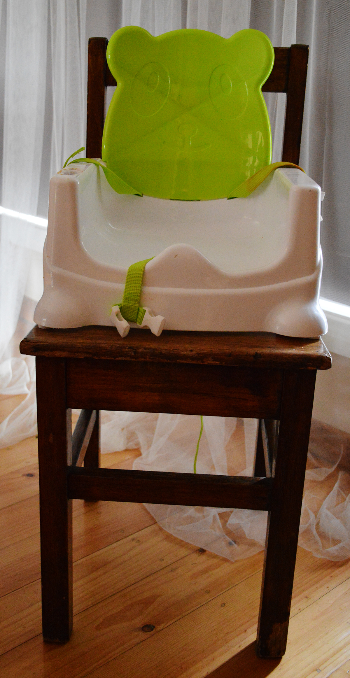 Caravan products high chair