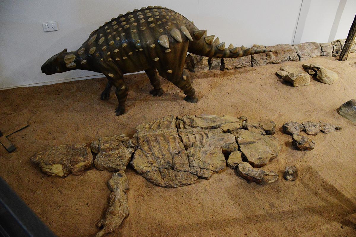 Kronosaurus Korner Richmond fossil Double-Barrelled Travel